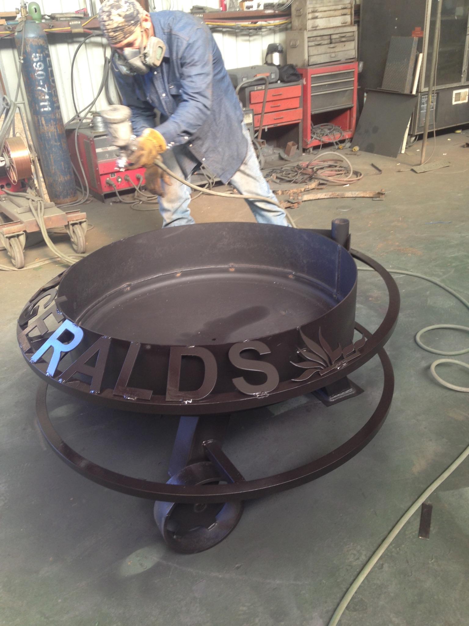 Custom fire pits - Fire Pits & Custom Metal Signs - Hull Welding & Fuel Tanks