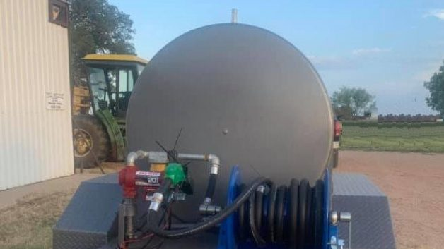 https://www.hullwelding.com/wp-content/uploads/2019/07/ready-500-gallon-tank-w-hose-reel-2-628x353.jpg